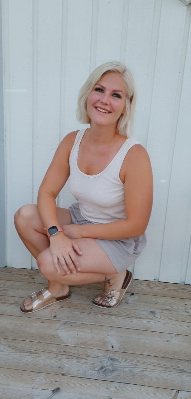 Lisa Sernfalk, 29, räddade livet på en igelkottsbebis.