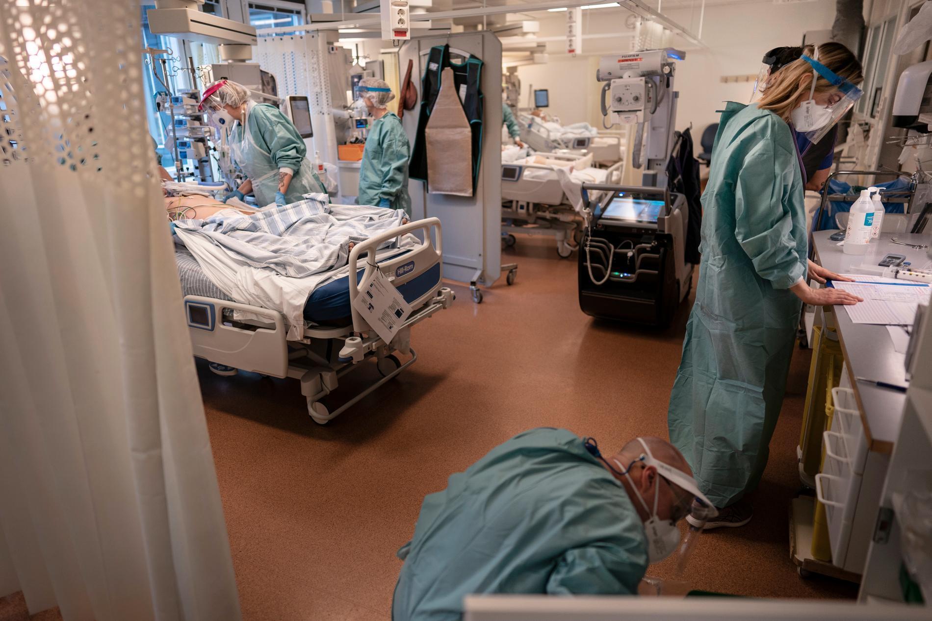 Covidvård på intensivvårdsavdelningen på Östra sjukhuset i Göteborg, hösten 2020. Arkivbild.
