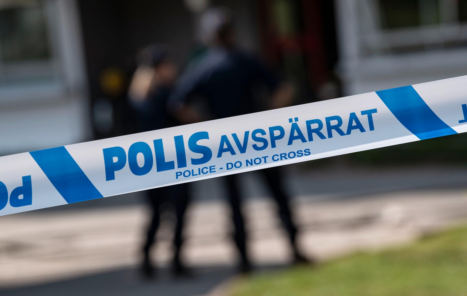 En kvinna hittades död i en bostad norr om Gävle. En 18-åring har erkänt att han har dödat henne. Arkivbild.