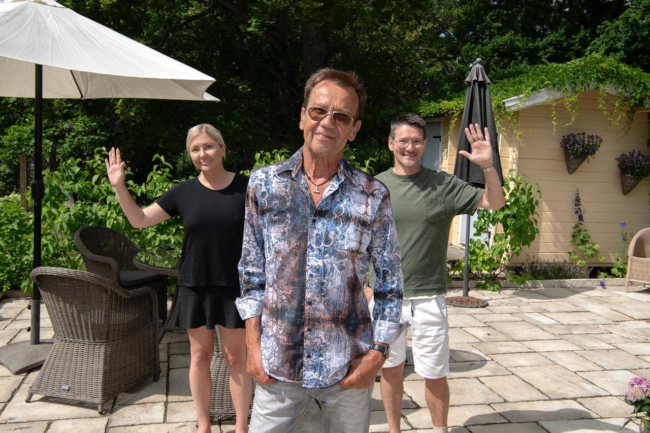Anna och Hans Shimoda möter Björn Skifs.