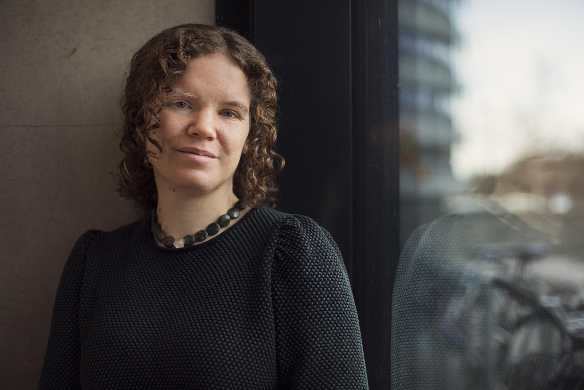 """Cecilia Chrapkowska, specialistläkare i barn- och ungdomsmedicin, har skrivit boken """"Praktika för blivande föräldrar"""" tillsammans med Agnes Wold."""