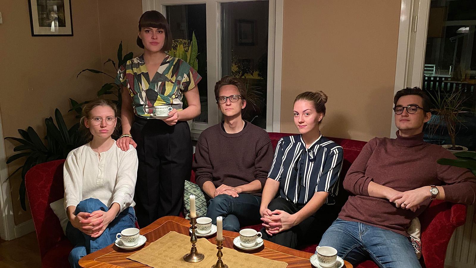 Studenterna är från vänster Runa Lundin, Adeline Löfroos, Michael Jansson, Tilda Rosén och August Bizzozero.