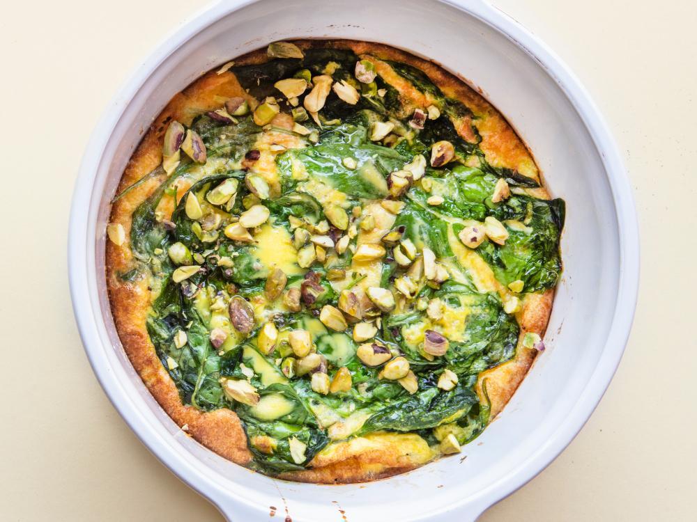 Laga till omeletten i ugnen medan du gör annat.