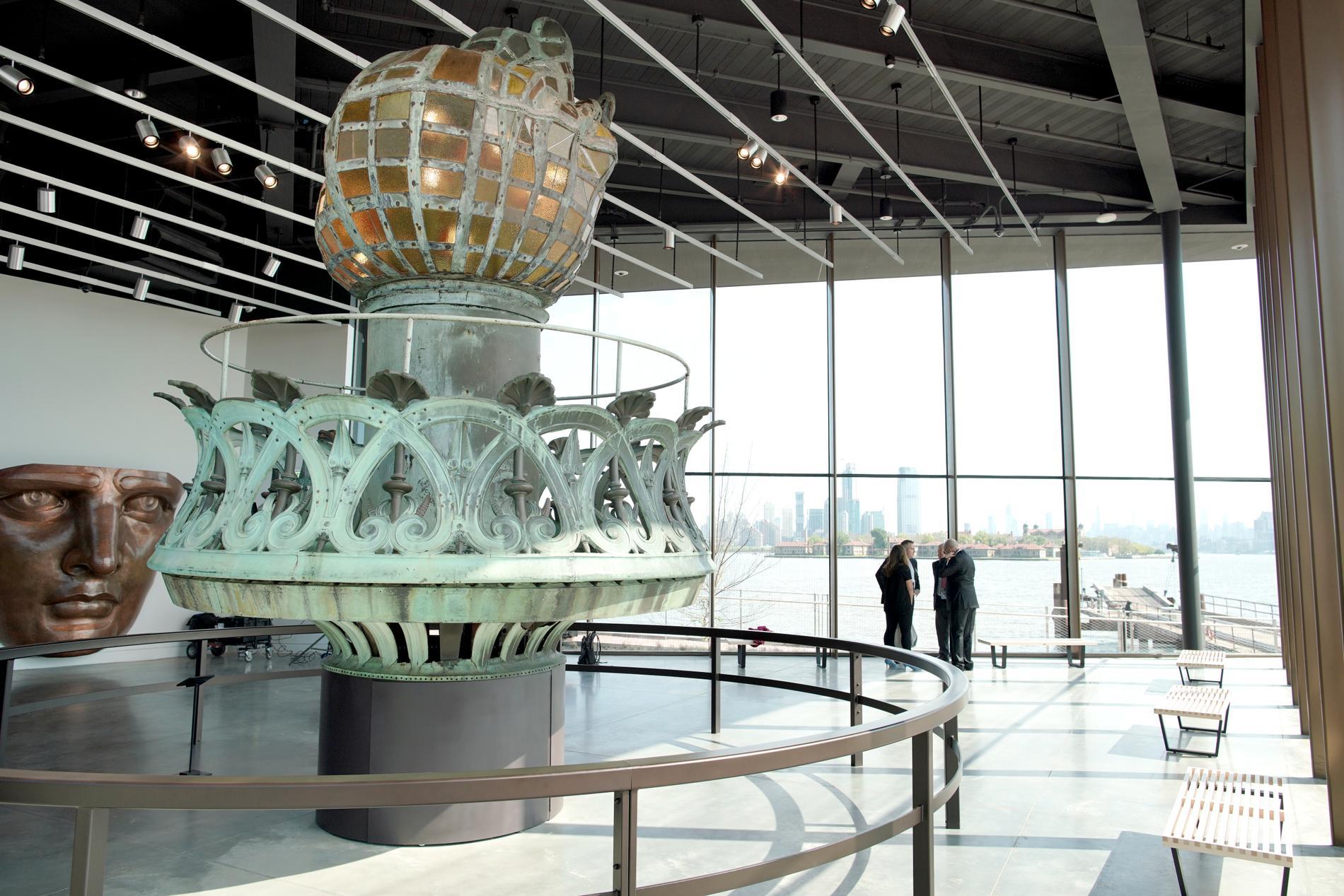 Frihetsgudinnans originalfackla finns på The Statue of Liberty Museum.