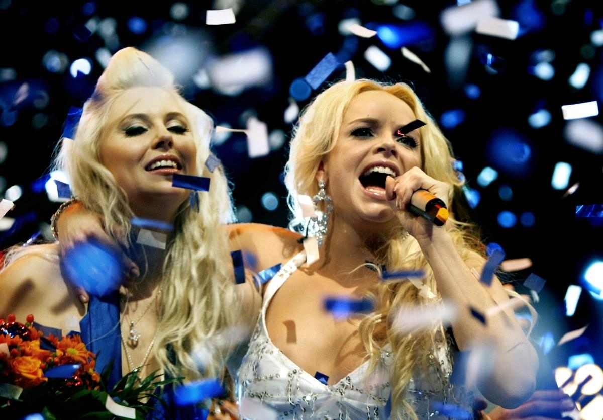 """tjejerna gjorde succé Marie Picasso, till höger, vann över Amanda Jenssen i förra årets """"Idol""""-final. Då var fredagsfinalerna i Stockholm. Enligt uppgifter till Aftonbladet ligger TV4 nu i förhandlingar med ett stort antal kommuner för att låta delfinalerna avgöras på olika orter."""