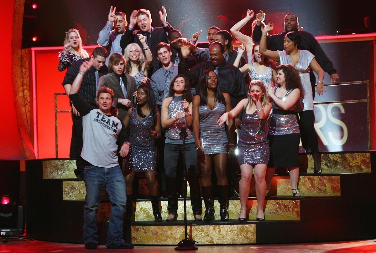 """I final Nick Lachey vann """"Clash of the choirs"""" i USA – på lördag slåss Joacim Cans och Brolle om vinst i svenska """"Körslaget""""."""