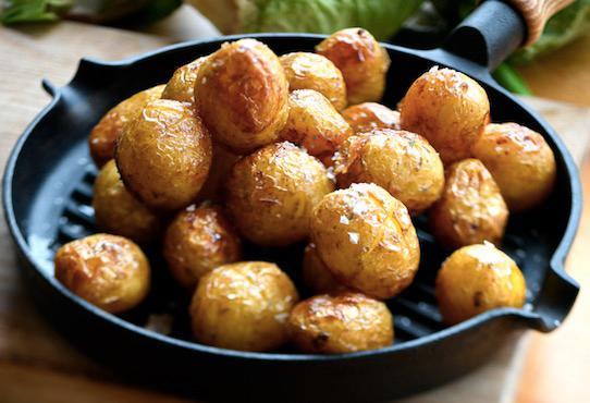 Superenkelt och jättegott: rostad potatis.