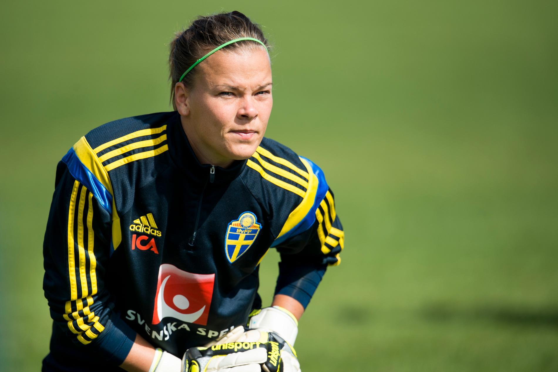 Öhrström spelade i olika ungdomslandslag före flytten utomlands.