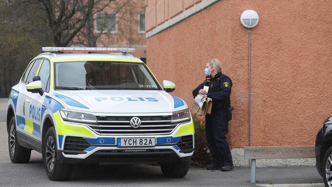 På söndagen hade bombskyddet en insats i Haninge kopplat till utredningen.