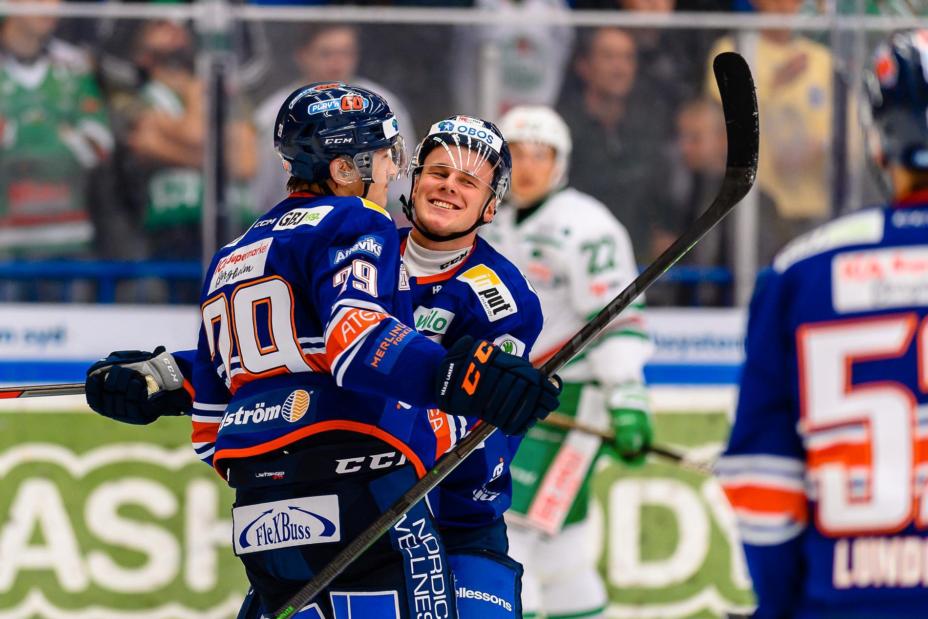 Pontus Holmberg och Olle Lycksell jublar.