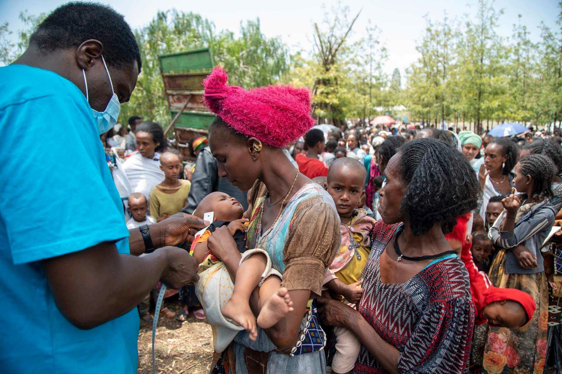 Kvinnor och barn är särskilt utsatta i den pågående svältkatastrofen i Etiopien. Arkivbild.