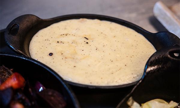 Potatispuré är gott till viltsteken.