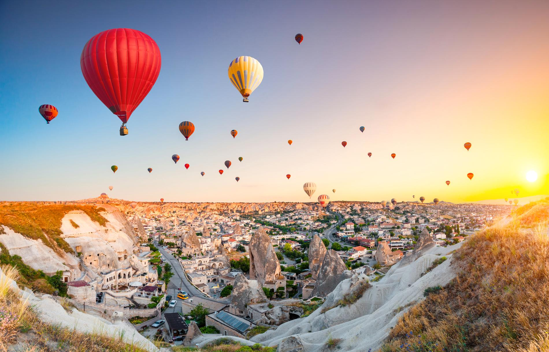 Att åka luftballong är väldigt populärt i Kappadokien.