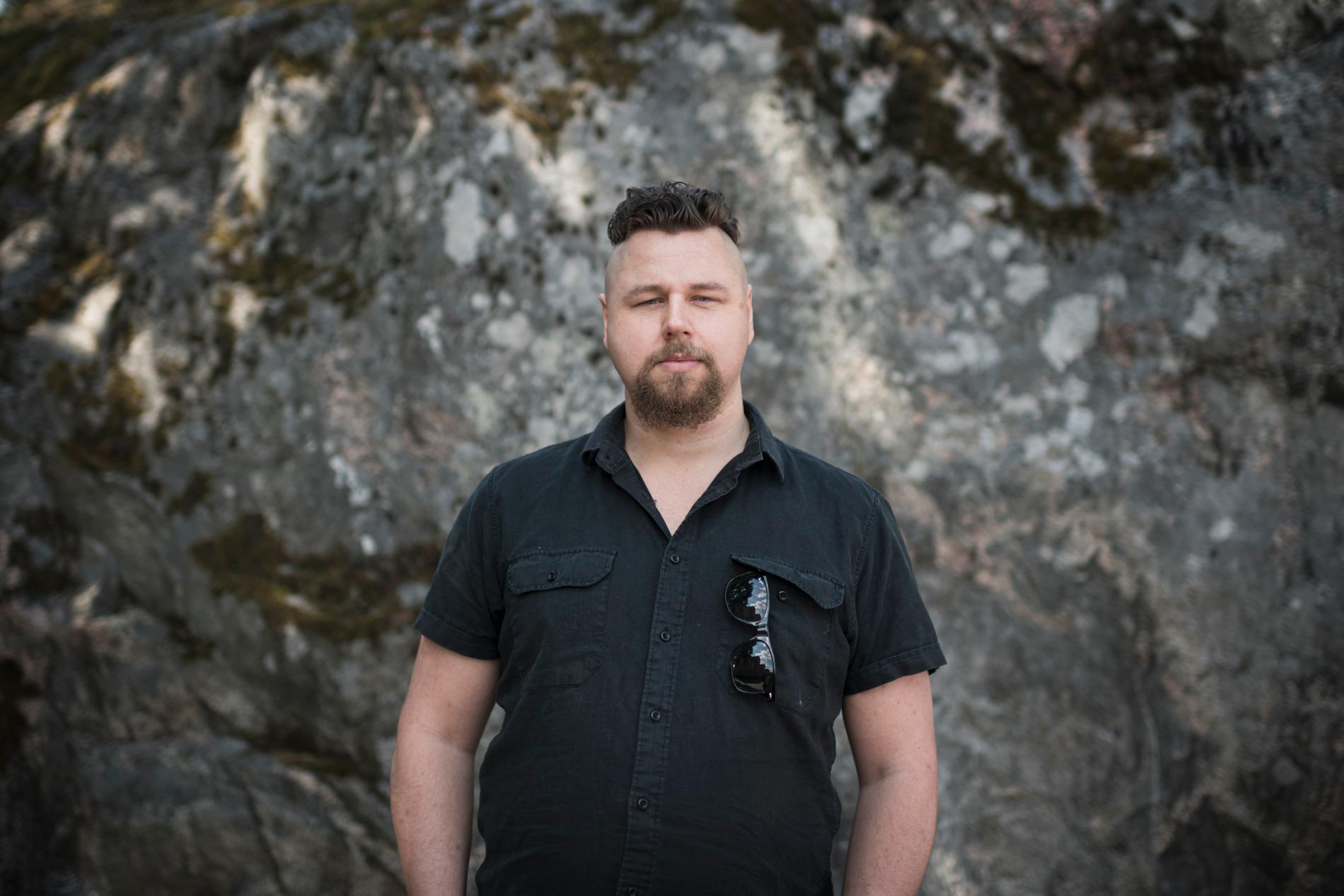 Thobias Larsson intervjuades av Aftonbladet om sin arbetslöshet 2006. I dag har han fortfarande inte fått en fast anställning.
