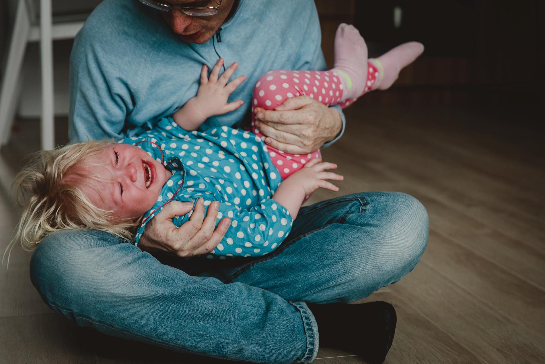 En mamma frågar om råd gällande sin sexåriga dotter som får utbrott.