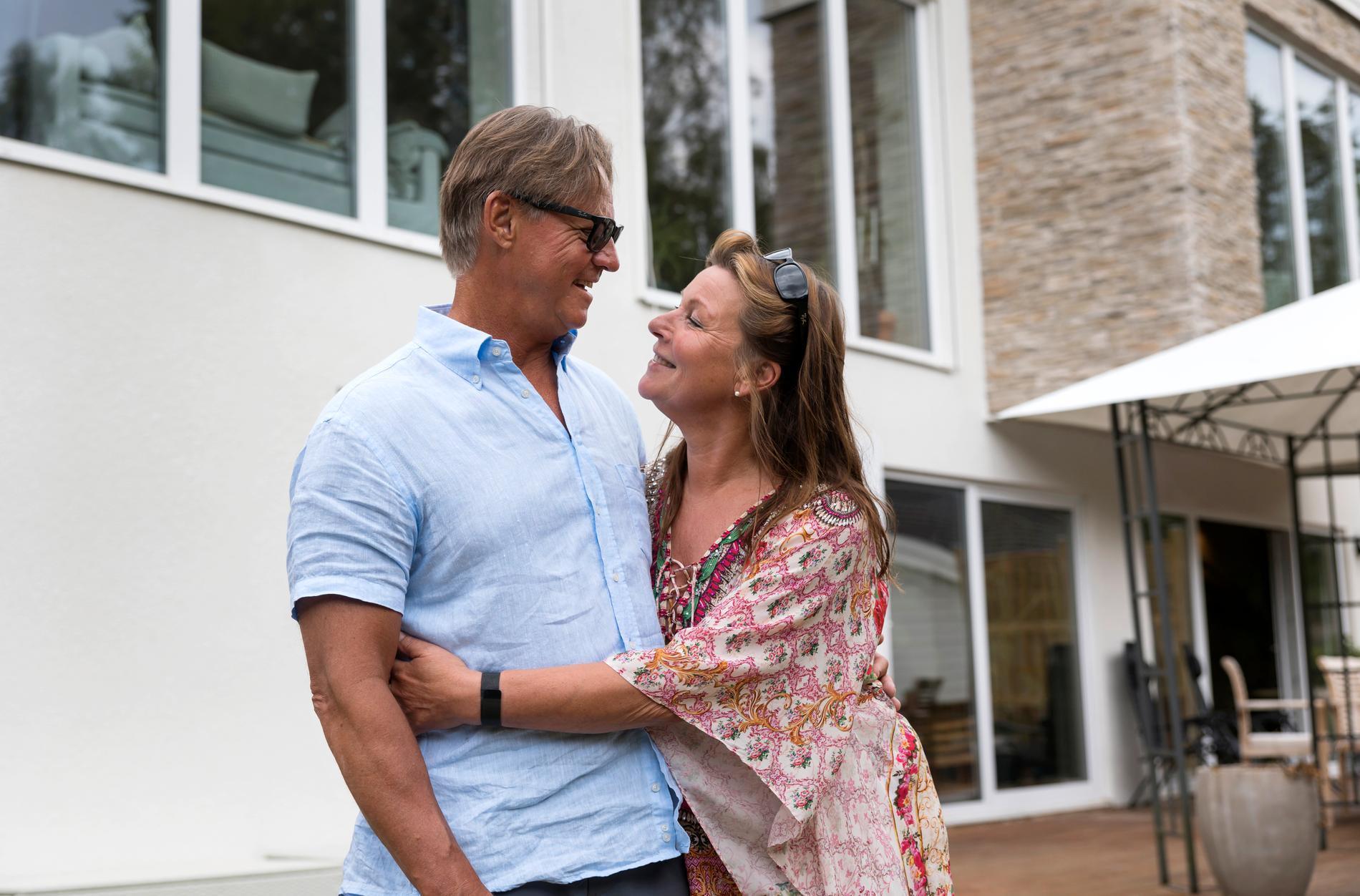 """""""Jag kanske hade fel"""". Mikael Sandström sa tidigare att förälskelsen kanske skulle ta slut efter ett och ett halvt år."""
