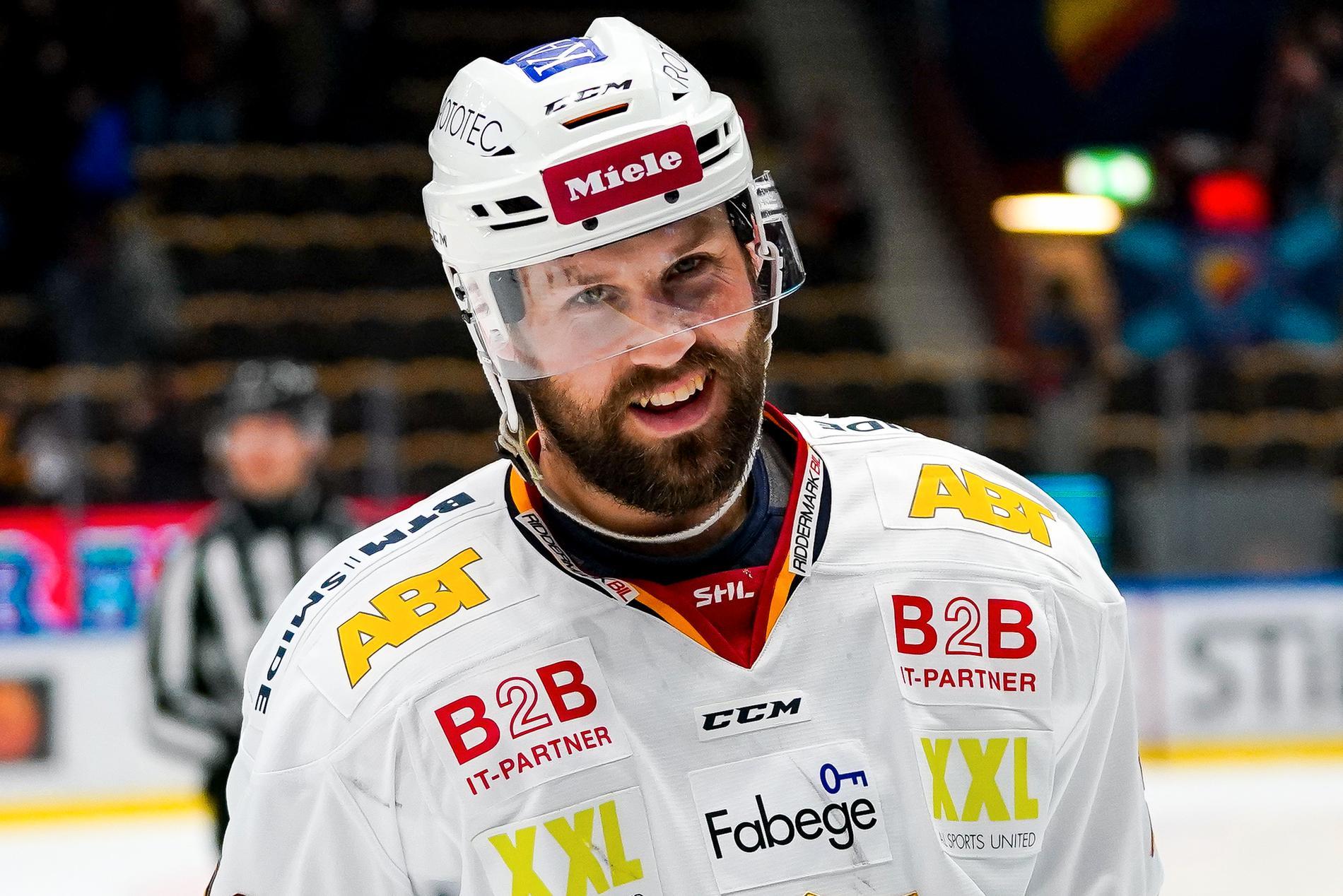 Axelsson.