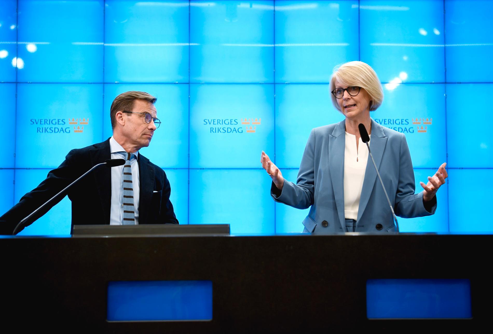 Moderaternas partiledare Ulf Kristersson och Elisabeth Svantesson, ekonomisk-politiska talesperson