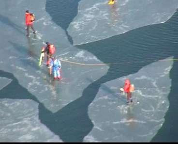50 personer fast på isflaken