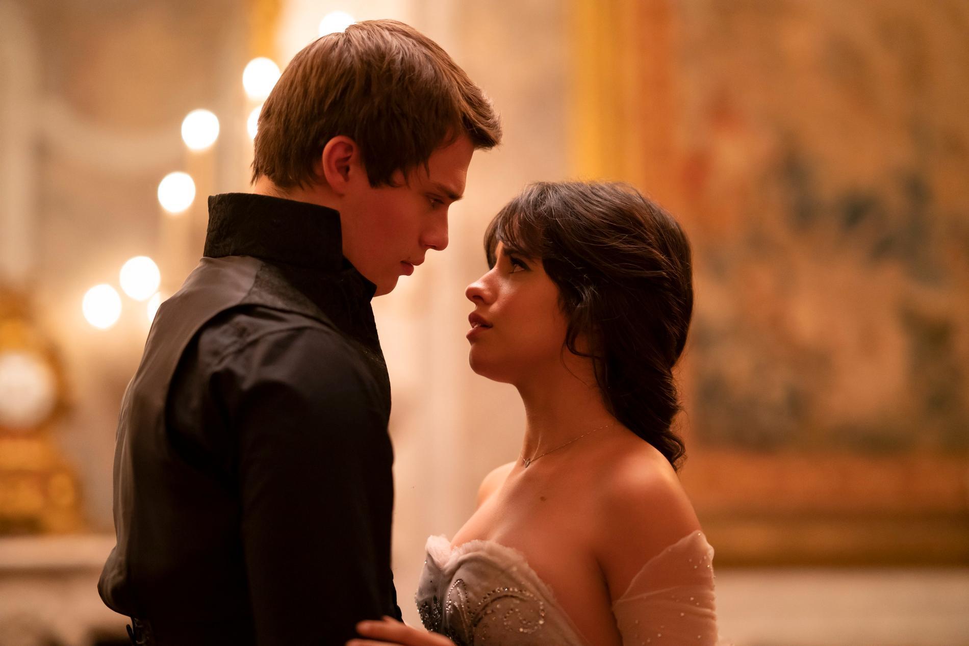 """""""Cinderella"""" med Camilla Cabello har premiär i höst. Pressbild."""