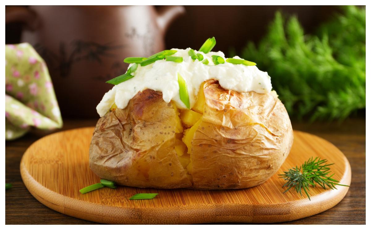 Bakad potatis är lätt att variera med olika röror.