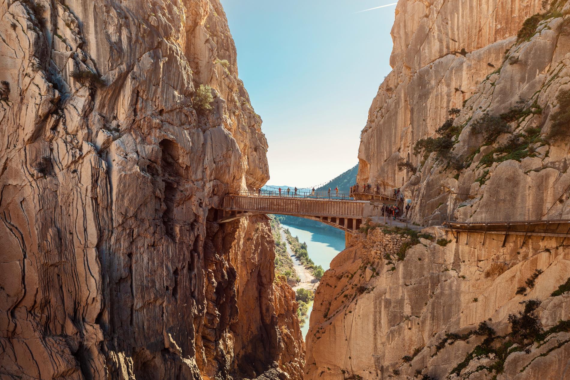 Besökare från hela världen tar sig till leden i Malaga.