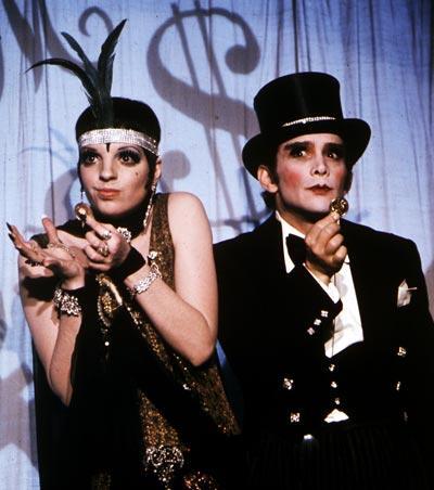 """Liza Minneli och Joel Grey i """"Cabaret"""" från 1972."""