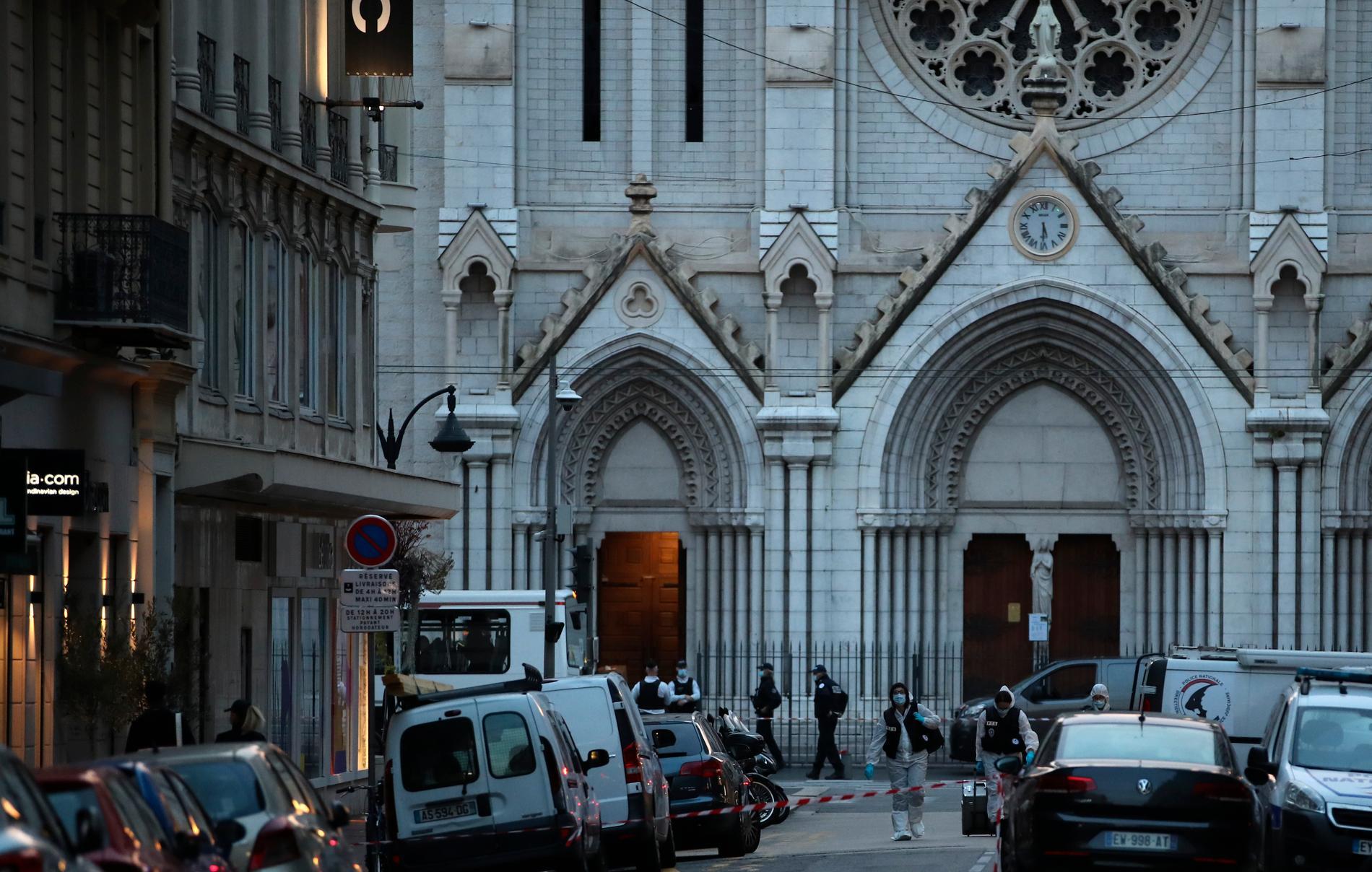 Knivskärningen skedde inne i katedralen.