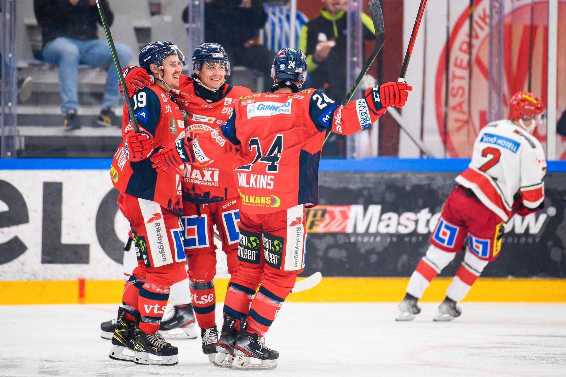 Jens Holmström jublar efter 2–1-målet mot Modo.