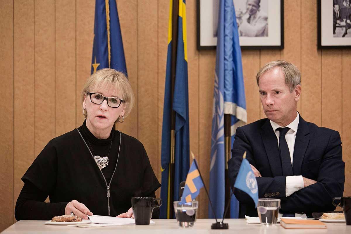 Margot Wallström tillsammans med Sveriges FN-ambassadör Olof Skoog.