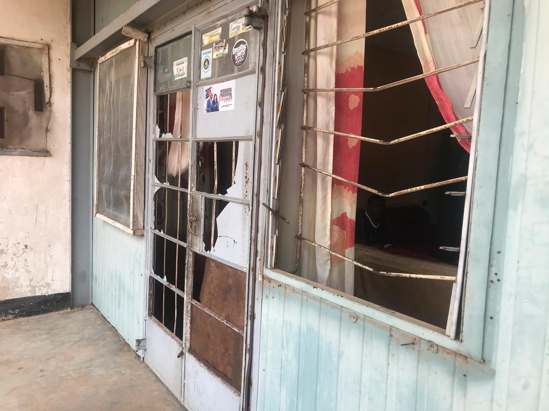 Kidnappningar är vanliga i Nigeria. På bilden en skola i Zaria som utsattes för attentat den 11 juni. Arkivbild.