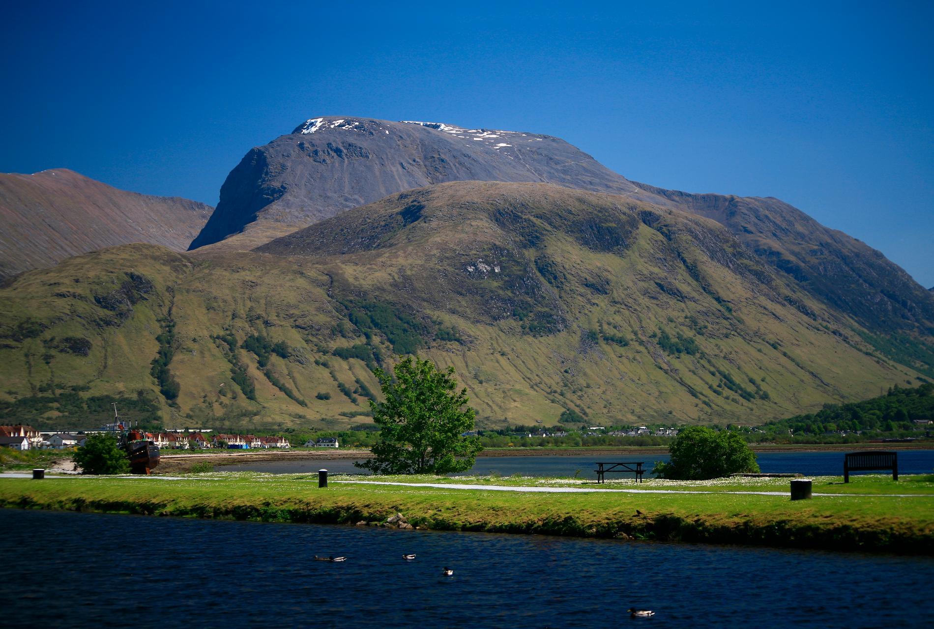 I skottland ligger Ben Nevis, Storbritanniens högsta berg.
