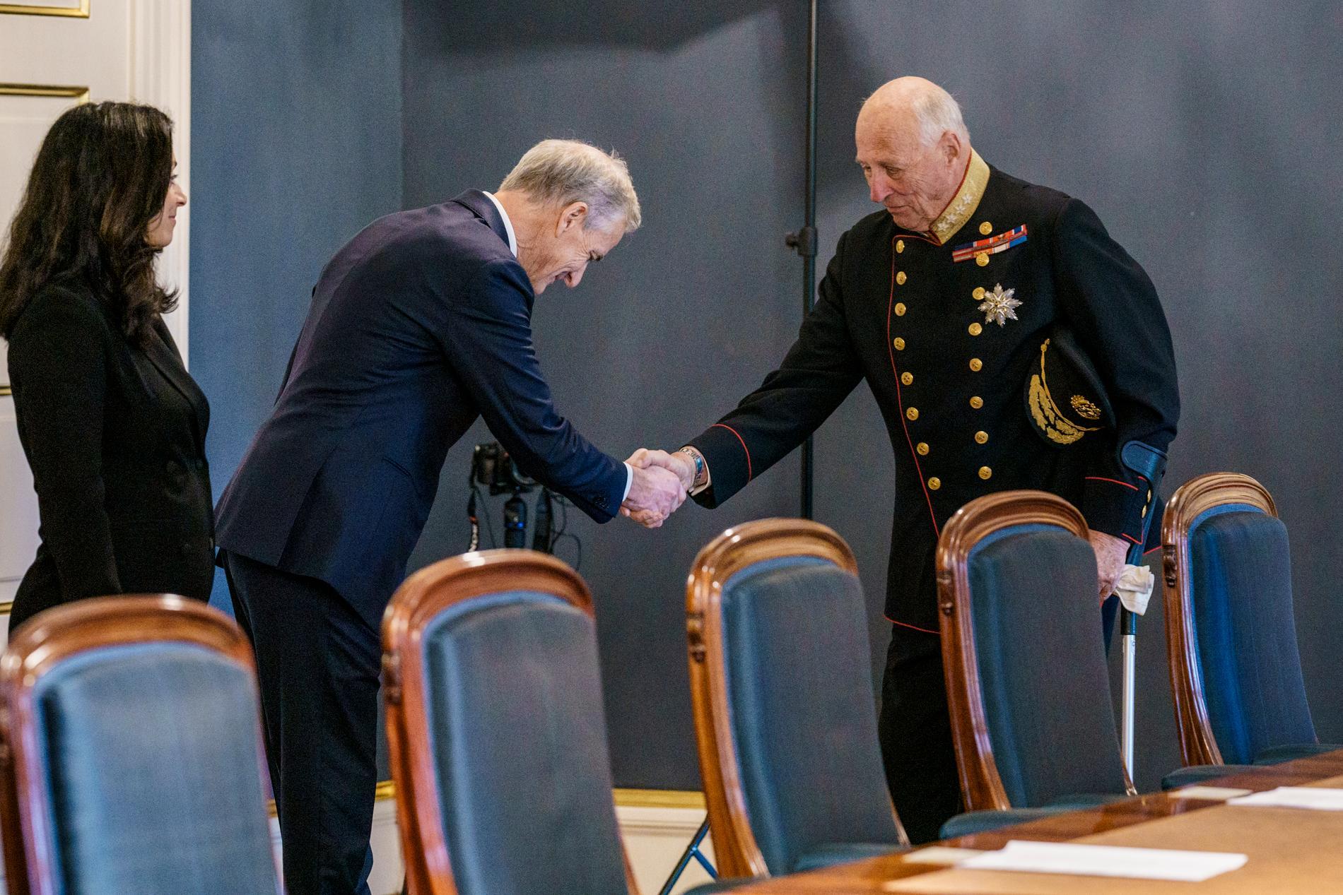Jonas Gahr Støre och kung Harald V.