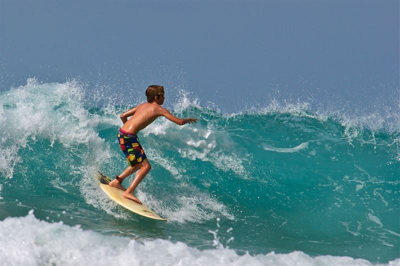 Allt fler barn vill testa på att surfa
