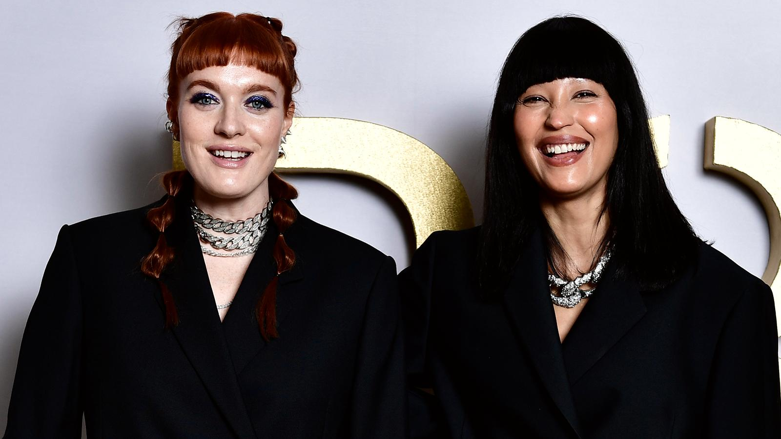 Icona Pop-duon Caroline Hjelt (till vänster) och Aino Jawo.