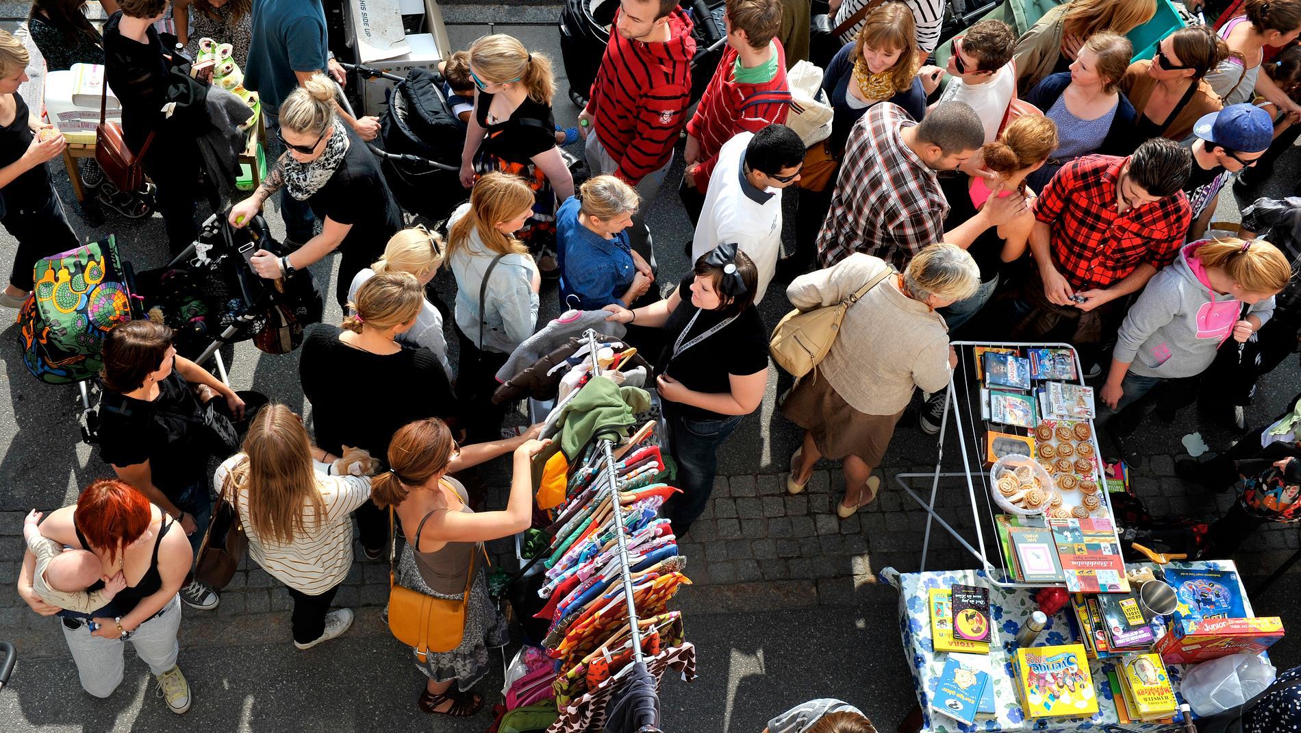 Polisen i Malmö arbetar tillsammans med flera myndigheter för att komma åt parallella, ofta illegala, samhällsstrukturer. Tillslag mot loppmarknader ingår i det arbetet. Bilden är tagen vid en annan loppis.