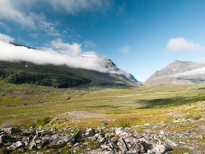 Vandra i Lappland. Många drömmer om att bestiga Kebnekaise.