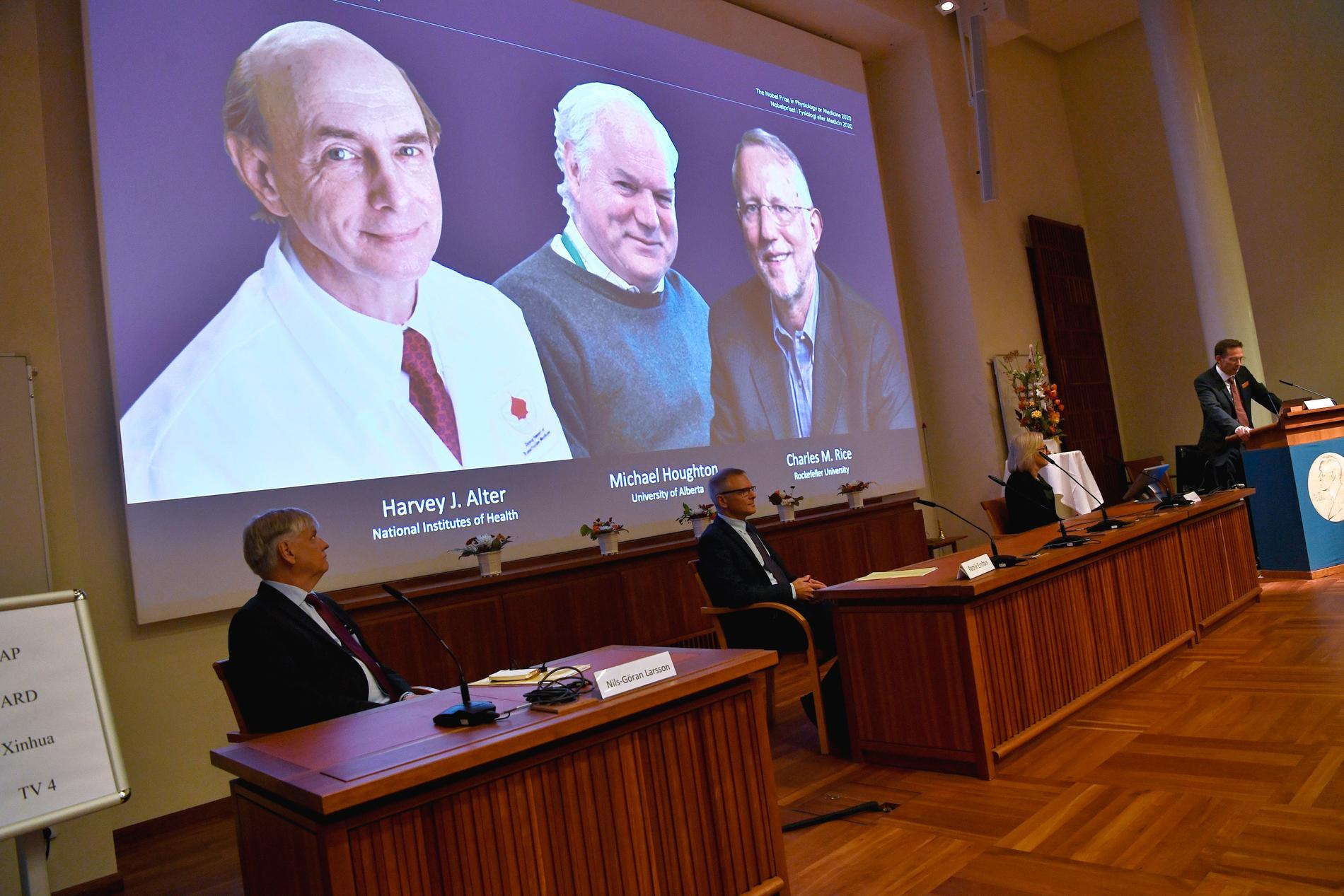 Harvey J. Alter, Michael Houghton och Charles M. Rice får Nobelpriset i medicin efter upptäckten om hepatit C-virus.