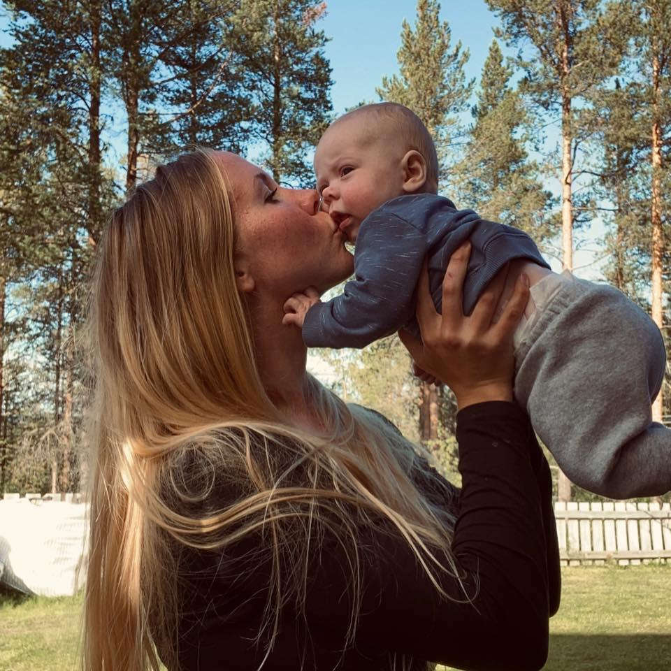 Mamman Linnea berättar om dotterns död.