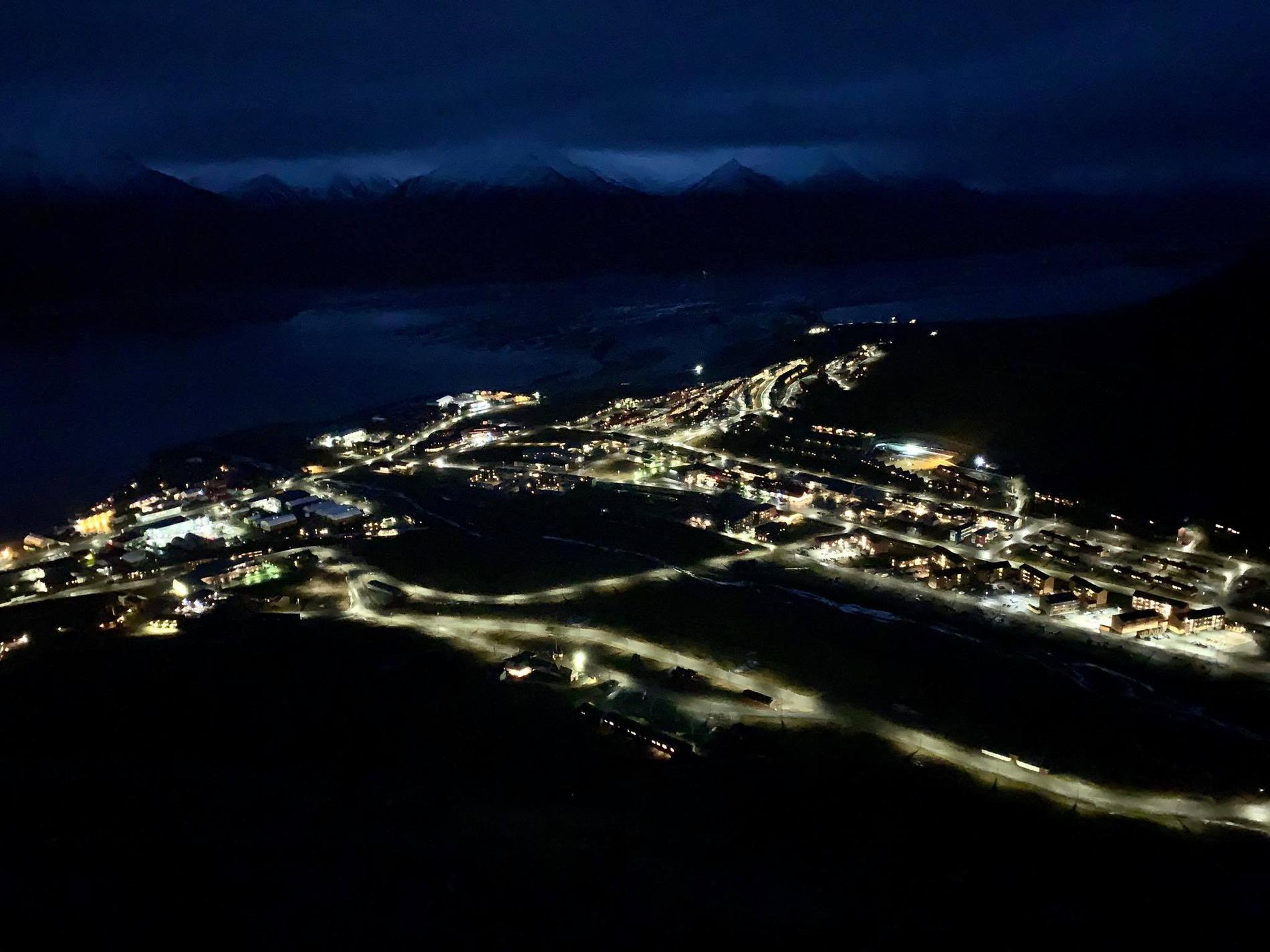 Just nu är det mörkertid på Svalbard, invånarna har ungefär fyra månader av totalt mörker framför sig.