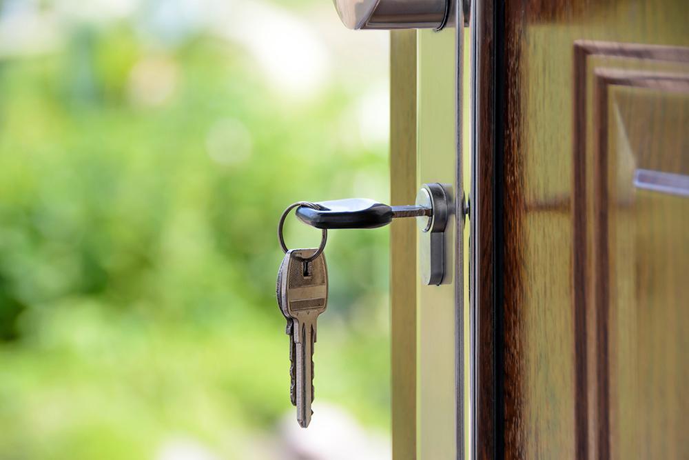 Det finns otroligt mycket pengar att tjäna på att hyra ut sin bostad till sommaren.