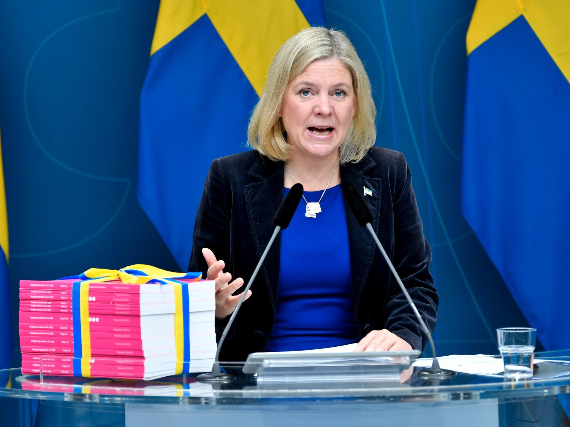 Finansminister Magdalena Andersson (S) presenterar budgetpropositionen för 2022 vid en pressträff i Rosenbad. I november kan hon bli ny partiledare för Socialdemokraterna. Arkivbild.