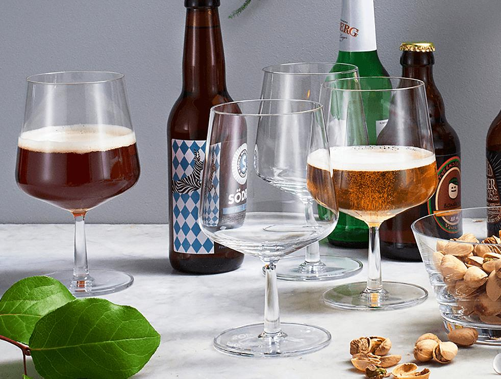 Ölglas i stilren design.