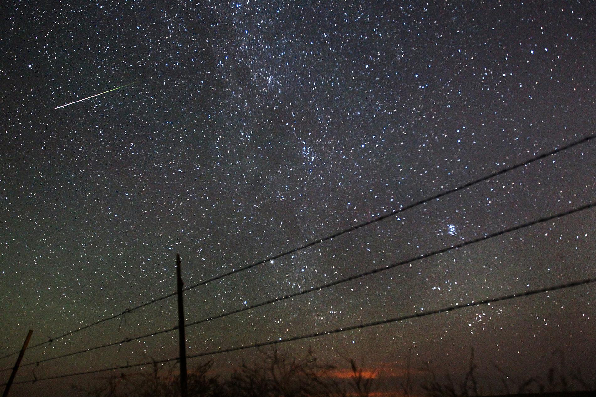 Meteorregnet Perseiderna inträffar en gång per år. Arkivbild.