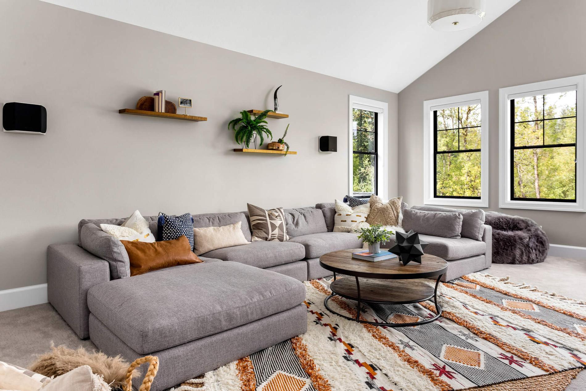 Inred med mattor i läckra mönster