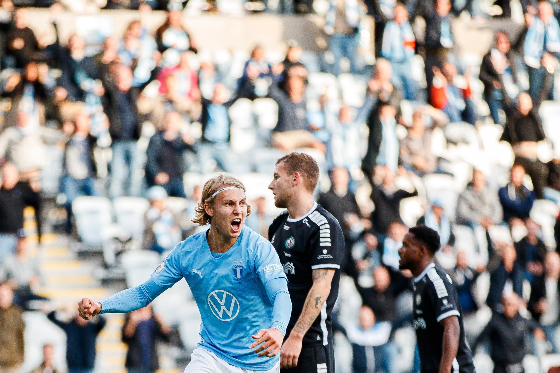 Sebastian Nanasi jublar efter första allsvenska målet.