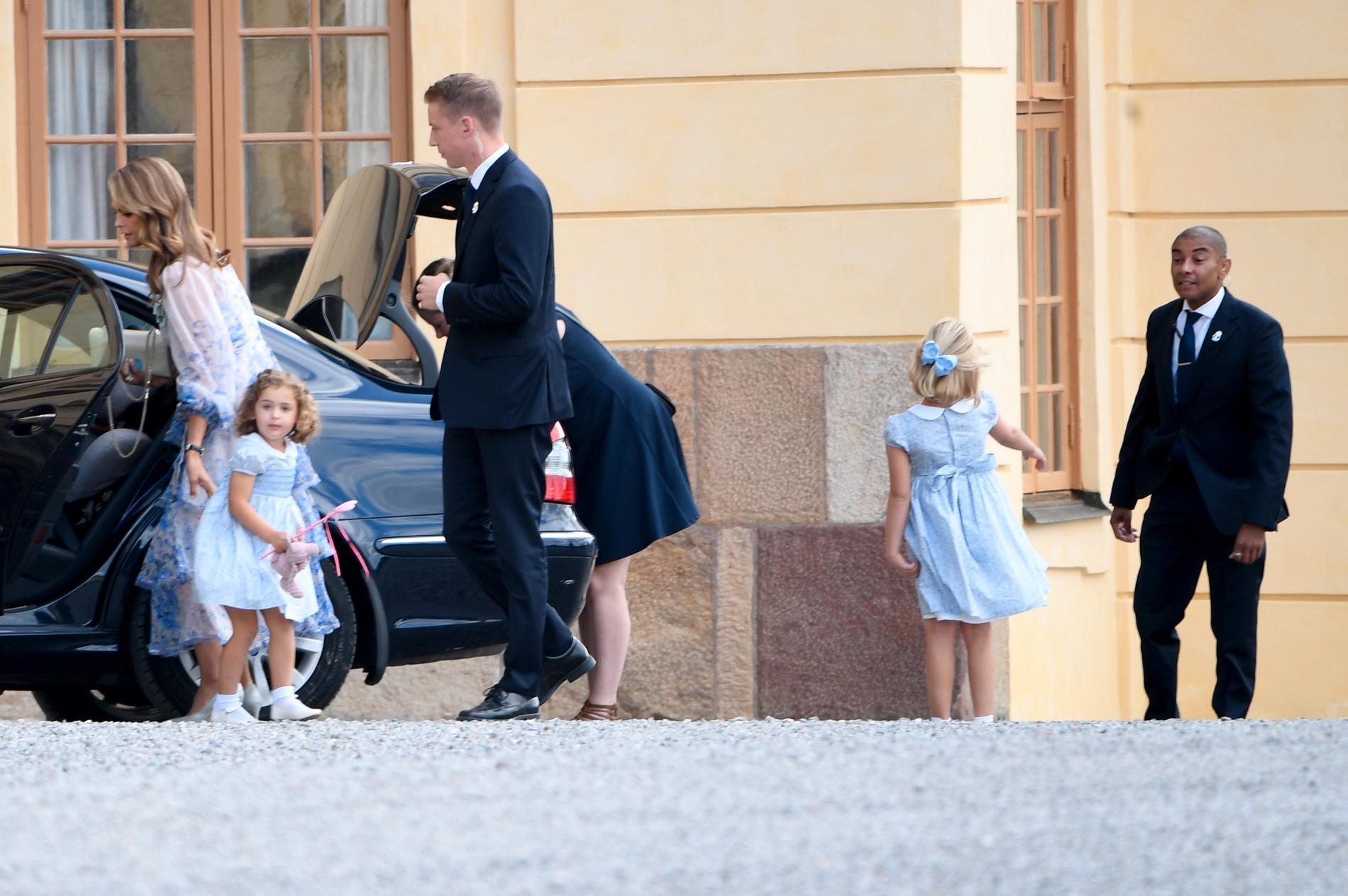 Prinsessan Madeleine med sina döttrar prinsessan Adrienne och prinsessan Leonore