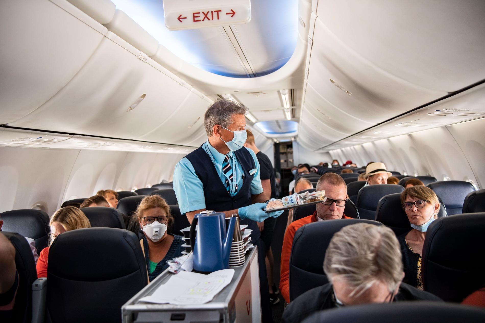 Men enligt grekiska medier ska resejätten ha bluffat sig till landningstillstånd. Flera grekiska medier rapporterar bland annat om att Tui ljugit om resenärerna på charterplanen.
