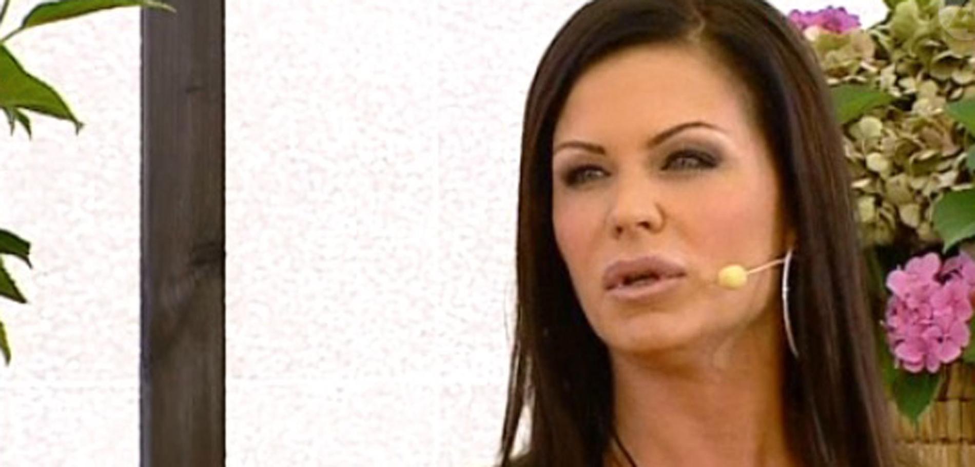 Linda Thelenius berättade i TV4:s Nyhetsmorgon att hon känner sig förföljd.