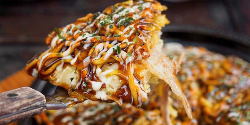 Okonomiyaki  - japansk pannkaka